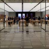 Newly designed Apple store, Crossgates Mall